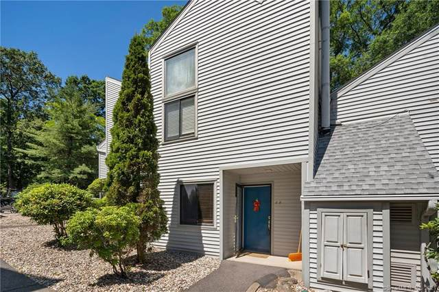 6 Talcott Forest Road B, Farmington, CT 06032 (MLS #170410837) :: Kendall Group Real Estate | Keller Williams