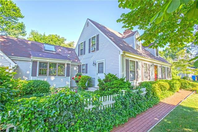 31 Cromwell Place, Old Saybrook, CT 06475 (MLS #170411083) :: Kendall Group Real Estate | Keller Williams