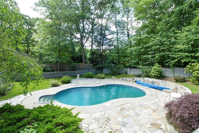 40 Pelham Lane, Wilton, CT 06897 (MLS #170411159) :: Kendall Group Real Estate | Keller Williams