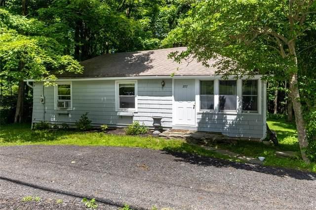 205 Mountain Road, Wilton, CT 06897 (MLS #170411273) :: Spectrum Real Estate Consultants