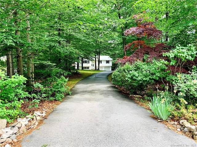25 Old Colony Lane, Ledyard, CT 06339 (MLS #170411619) :: Michael & Associates Premium Properties | MAPP TEAM