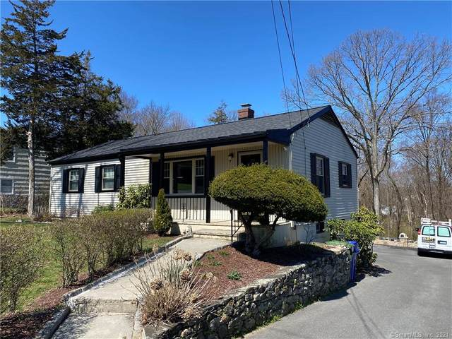10 Berkshire Drive, Danbury, CT 06811 (MLS #170411637) :: The Higgins Group - The CT Home Finder