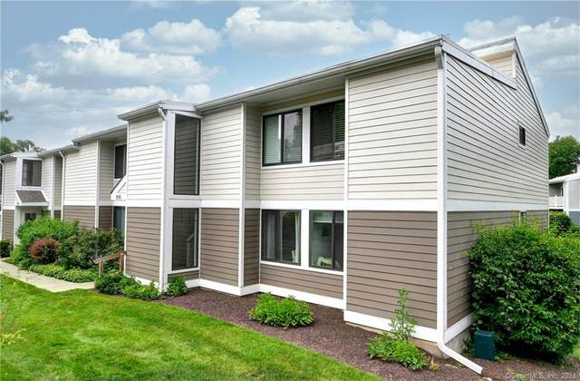 29 Lawson Lane #29, Ridgefield, CT 06877 (MLS #170411749) :: Linda Edelwich Company Agents on Main
