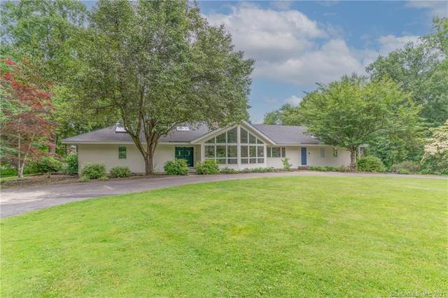 14 Turtle Back Road, New Canaan, CT 06840 (MLS #170411889) :: Around Town Real Estate Team