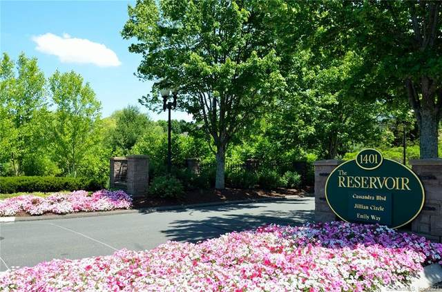 15 Cassandra Boulevard #101, West Hartford, CT 06107 (MLS #170411957) :: Sunset Creek Realty