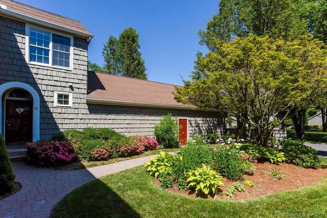17 Harwich Lane #17, West Hartford, CT 06117 (MLS #170412229) :: Sunset Creek Realty