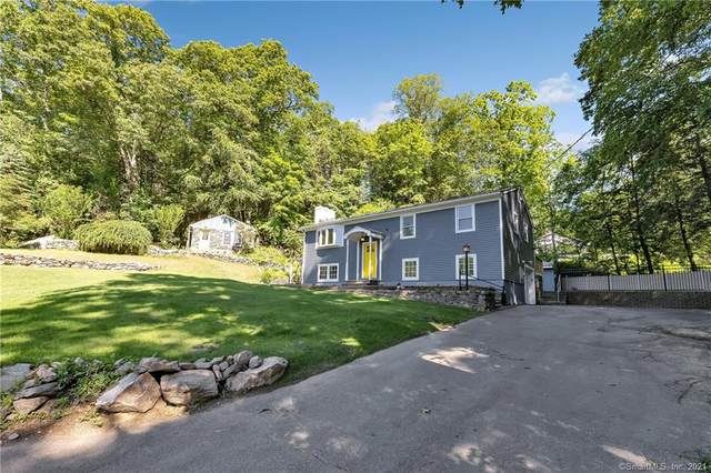 44 Olmstead Road, Redding, CT 06896 (MLS #170413303) :: The Higgins Group - The CT Home Finder