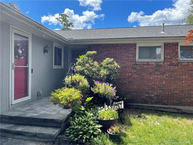 105 Foster Street, Manchester, CT 06040 (MLS #170413438) :: Hergenrother Realty Group Connecticut