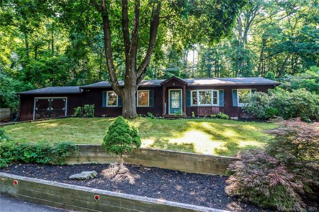 7 Tommys Lane, Brookfield, CT 06804 (MLS #170414854) :: Alan Chambers Real Estate