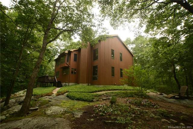 27 Rowledge Pond Road, Newtown, CT 06482 (MLS #170414856) :: Spectrum Real Estate Consultants