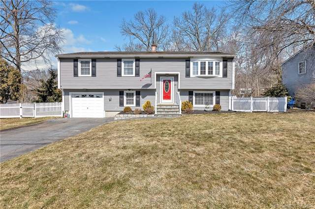 32 Timber Trail, Milford, CT 06460 (MLS #170420876) :: Frank Schiavone with Douglas Elliman