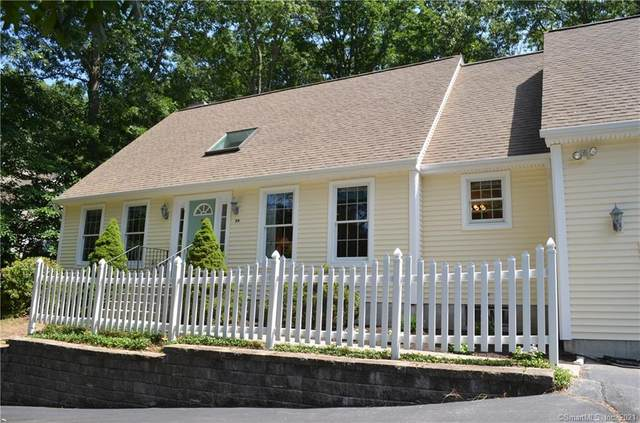 34 Yorkshire Drive, Waterford, CT 06385 (MLS #170421467) :: Spectrum Real Estate Consultants
