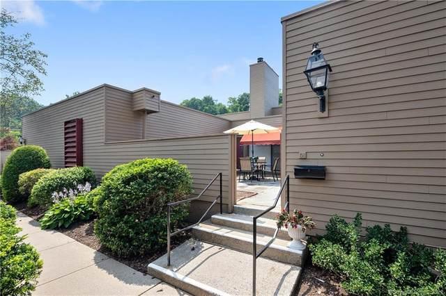 51 Charlton Hill Road #51, Hamden, CT 06518 (MLS #170423537) :: Spectrum Real Estate Consultants
