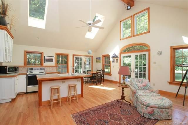 147 Old Farms Road, Simsbury, CT 06092 (MLS #170424062) :: Kendall Group Real Estate | Keller Williams
