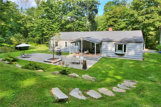 6 Deep Valley Road, New Canaan, CT 06840 (MLS #170424613) :: Around Town Real Estate Team
