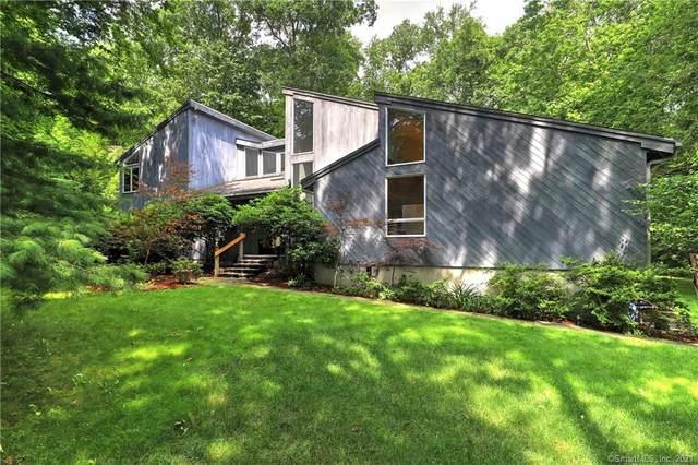 54 Rock Hill Road, Woodbridge, CT 06525 (MLS #170424626) :: Around Town Real Estate Team