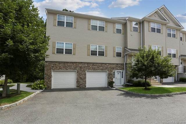 18 Riverview Court, Brookfield, CT 06804 (MLS #170424660) :: Alan Chambers Real Estate