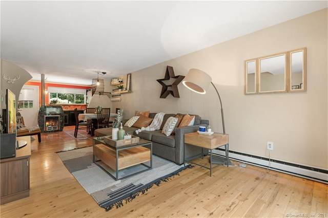 10 Massaco Street D, Simsbury, CT 06070 (MLS #170425475) :: Sunset Creek Realty