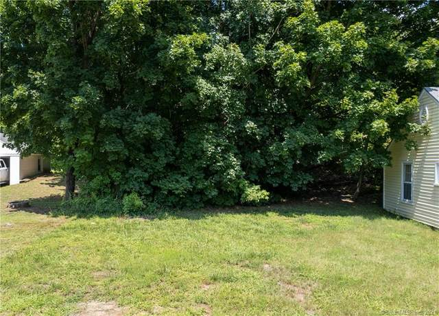 15 Charles Street, Griswold, CT 06351 (MLS #170426338) :: Linda Edelwich Company Agents on Main