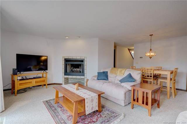 131 Skyview Drive #131, Cromwell, CT 06416 (MLS #170426391) :: Carbutti & Co Realtors