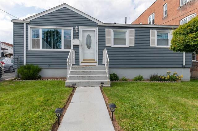 18 Gilman Street, Hartford, CT 06114 (MLS #170426394) :: Around Town Real Estate Team