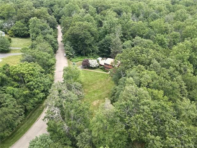 460 Yellow Brick Road, Orange, CT 06477 (MLS #170427336) :: Kendall Group Real Estate | Keller Williams