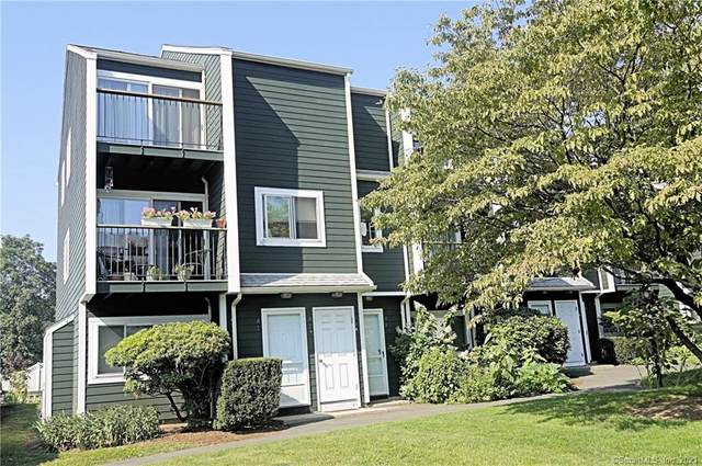22 Dr Martin Luther King Jr A4, Norwalk, CT 06854 (MLS #170427401) :: GEN Next Real Estate