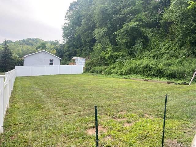 1186 N High Street, East Haven, CT 06512 (MLS #170427543) :: GEN Next Real Estate