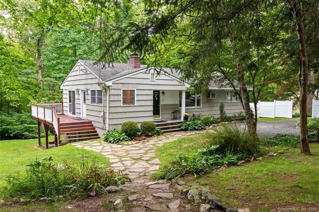 61 Old Stagecoach Road, Redding, CT 06896 (MLS #170427999) :: Kendall Group Real Estate | Keller Williams