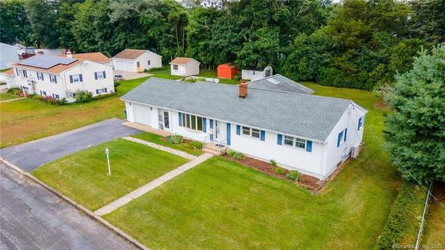 17 Sandy Hollow Drive, Waterford, CT 06385 (MLS #170428231) :: Linda Edelwich Company Agents on Main