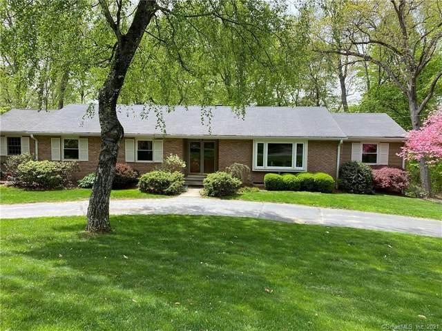 952 Rainbow Trail, Orange, CT 06477 (MLS #170428578) :: Kendall Group Real Estate | Keller Williams