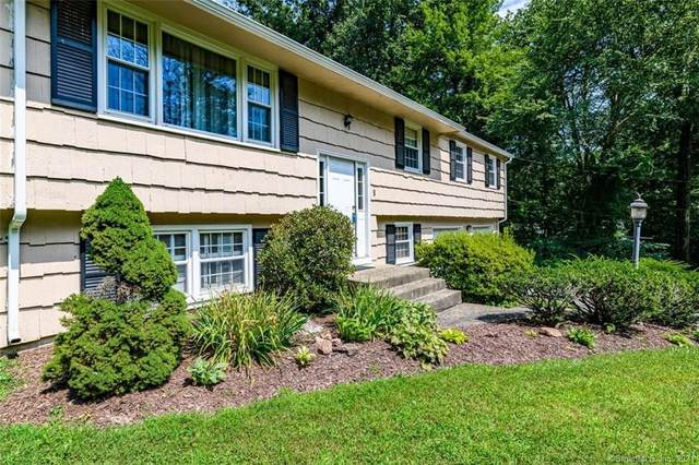 8 Andrew Drive, Simsbury, CT 06089 (MLS #170428722) :: Kendall Group Real Estate | Keller Williams