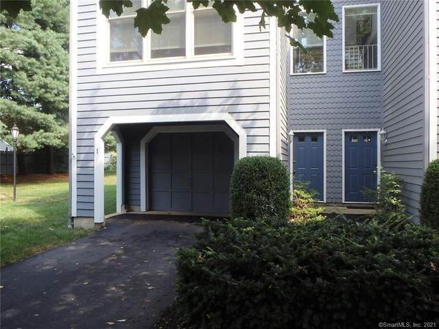 1 Fawn Ridge Lane #1, Wilton, CT 06897 (MLS #170431454) :: GEN Next Real Estate