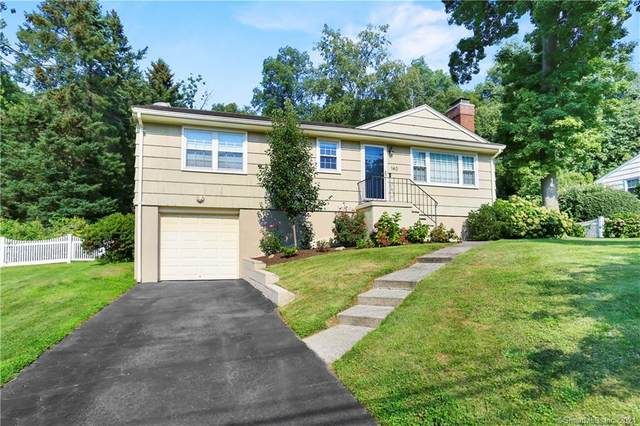 140 Short Hill Lane, Fairfield, CT 06825 (MLS #170432214) :: Michael & Associates Premium Properties | MAPP TEAM