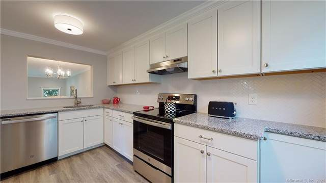2 Rising Trail Drive #2, Middletown, CT 06457 (MLS #170434937) :: Carbutti & Co Realtors