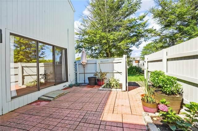 2 Plum Path #2, Ridgefield, CT 06877 (MLS #170435152) :: GEN Next Real Estate