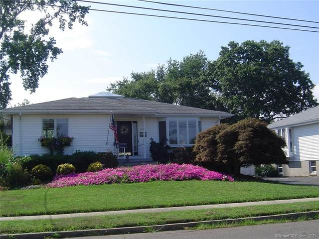 1354 Dean Street, New Haven, CT 06512 (MLS #170435471) :: Linda Edelwich Company Agents on Main