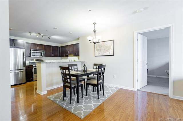 34 Schoolhouse Drive #309, West Hartford, CT 06110 (MLS #170436349) :: Kendall Group Real Estate | Keller Williams