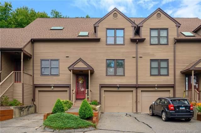 15 Tanglewood Circle #15, Monroe, CT 06468 (MLS #170436982) :: Michael & Associates Premium Properties | MAPP TEAM
