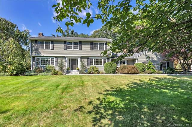 240 Putting Green Road, Trumbull, CT 06611 (MLS #170437373) :: Chris O. Buswell, dba Options Real Estate