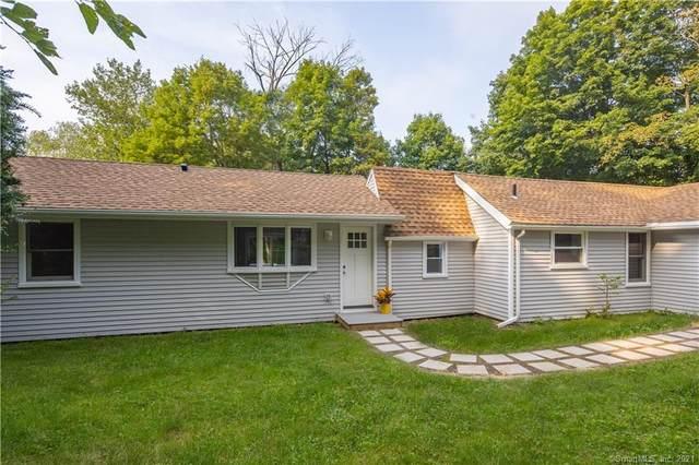32 1/2 E Pembroke Road, Danbury, CT 06811 (MLS #170438188) :: GEN Next Real Estate
