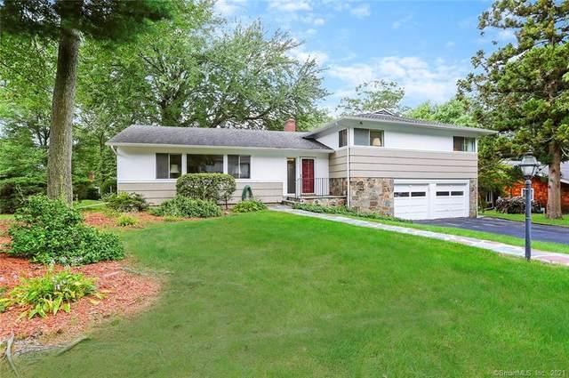 215 Crest Terrace, Fairfield, CT 06825 (MLS #170440095) :: Faifman Group