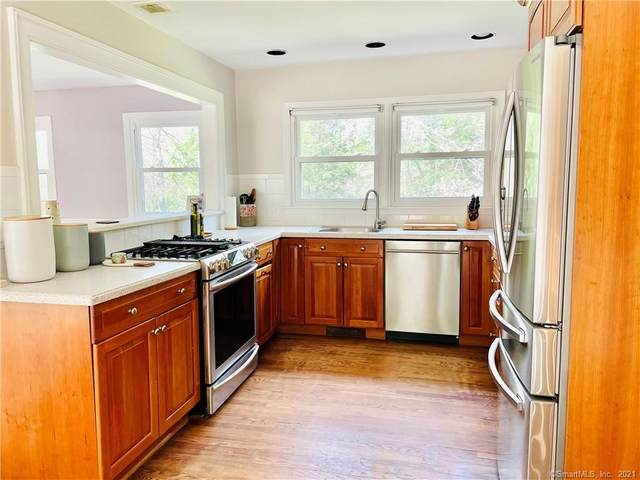 47 Bradley Road, Weston, CT 06883 (MLS #170440415) :: The Higgins Group - The CT Home Finder