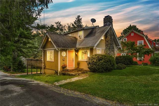 36 Richardson Drive, Middlebury, CT 06762 (MLS #170440449) :: Spectrum Real Estate Consultants