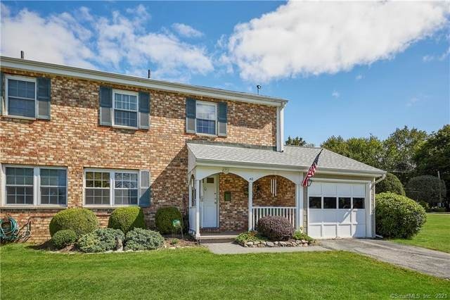 40 Whisconier Village #40, Brookfield, CT 06804 (MLS #170440465) :: Chris O. Buswell, dba Options Real Estate