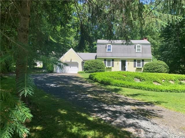 11 Carriage Lane, Essex, CT 06426 (MLS #170442066) :: Michael & Associates Premium Properties | MAPP TEAM