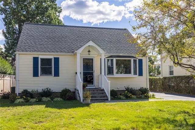 32 Baxter Drive, Norwalk, CT 06854 (MLS #170442572) :: Michael & Associates Premium Properties | MAPP TEAM