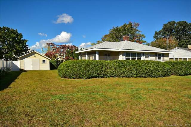 11 Uncas Trail, Old Saybrook, CT 06475 (MLS #170442591) :: Chris O. Buswell, dba Options Real Estate
