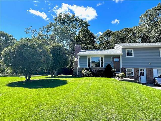 15 Country Lane, Stonington, CT 06379 (MLS #170442618) :: Chris O. Buswell, dba Options Real Estate
