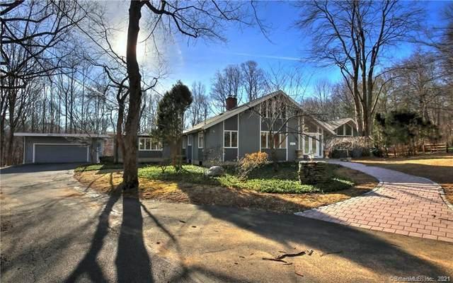 5 Mohawk Lane, Woodbridge, CT 06525 (MLS #170444226) :: Tim Dent Real Estate Group